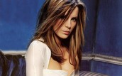 Kate Beckingsale as Julia