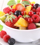 Cajitas de frutas frescas de temporada.