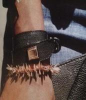 Avalon Bracelet Clutch - The Removeable Bracelet (top)