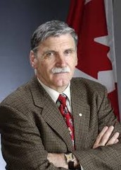 How is Romeo Dallaire a Leader?