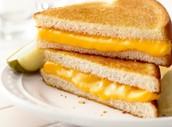 Un fromage grillé.