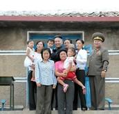 איזה אושר לחיות בצפון קוריאה!