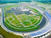 how big a race cars traces