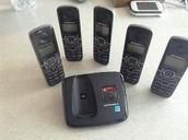 5 handset motorola cordless phones - SOLD !