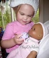 Yo jugaba con la muñecas.
