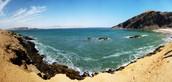 Llegar tu la costa de Peru y disfrutar el hermoso el tiempo
