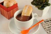 CHOCOLATE Y BIZCOCHO: