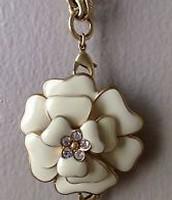 La Coco flower brooch