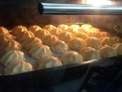 Creampuff w/vanilla custard filling