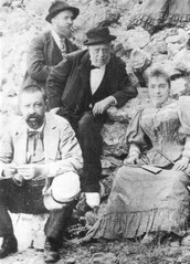 Gaudí (in the background) with his father (centre), his niece Rosa and doctor Santaló