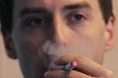 La nueva directiva que estos días se debate en la UE sobre el tabaco incluirá varios apartados sobre los cigarrillos electrónicos.