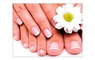 El esmaltado puede ser un tono o french manicure