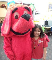 Clifford visits with Nelly Alanis at Family Literacy Hour