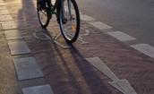 עדיף לרכוב בשבילי אופניים (אם יש כאלה)