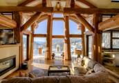Свяжитесь с нами и мы расскажем вам больше о самых элитных деревянных домах!