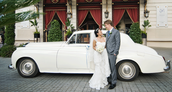 How to Save Money When Hiring a Wedding Limo