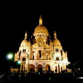 La Basilique du Sacré Cœur dans la nuit