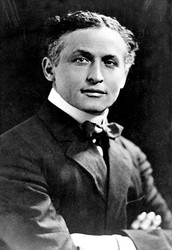 A Brief Biography Of Harry Houdini