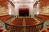 Teatro: El divino Figueroa
