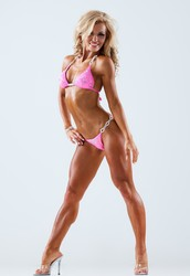 Learn How To Spray Tan Bodybuilders in 1 Day at the Hollywood Airbrush Tanning Academy
