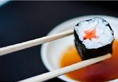 Encarga tu sushi para compartir con amigos