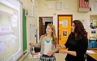 Se busca una Maestra que sepa que enseñarles a los estudiantes