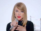 Taylor Swift singing Shake It Off