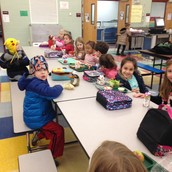 Kindergarten students at lunch