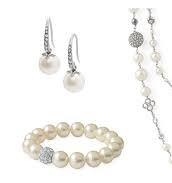 Maddie Pearl Drop Earrings