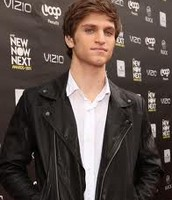 This is when Keegan was at the VIZIO red carpet.
