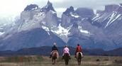 Montar un caballo y veo Torres del Paine