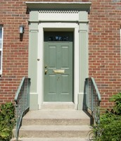 Private Entrances (Most Apartments)