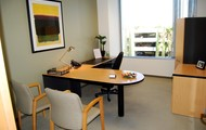 Beautiful Fully Furnished Window Office