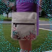 Organizing Shoulder Bag in Natural w/Daisy Craze