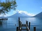 """Dia 3...Martes 19. Viajamos al sagrado Lago de Atitlan. Tomamos un Baño purificador sintiendo sus misteriosas energias. Oramos juntos para """"Elevarnos por Encima"""" al atardecer."""