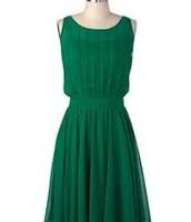 Une robe verte