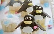 Wobbly Penguin Cupcakes
