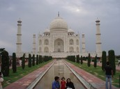 The introduction to the Taj Mahal!