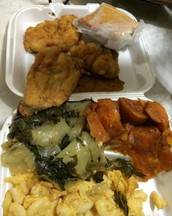 Our Food Trailer Sell The Best Fish & Fried Pickles!