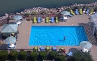 Lake front pool