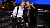 Ringo Starr and Paul McCartney singing together