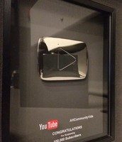 YouTube sliver play button for 100,000 subs