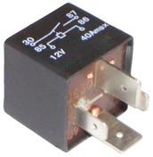 Algunos relevadores tienen impreso el diagrama electrico