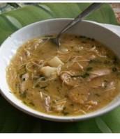 La sopa de pollo cubano