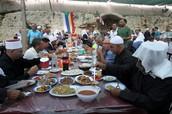 הסעודה לאחר הטקס עם מיטב מאכלי העדה הדרוזית.