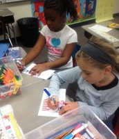 Students Make Cards to Thank Veterans!