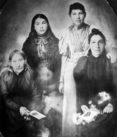 Metis Women