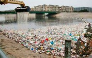 Litter in the ocean