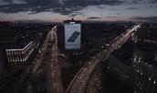 Samsung Turns Building Into a Digital Billboard (RUS)