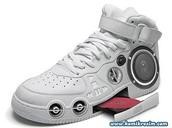 que también vende zapatos. y puede reproducir música. cuesta novecientos